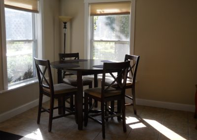 Pines Cottage dining area